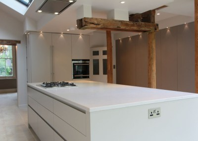 White Handleless Urban Kitchen Leatherhead