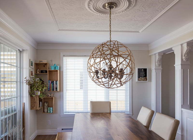 Easy tutorial on how to DIY a cheap pendant light for the dining room | Instructions faciles pour réaliser soi-même une lampe suspendue pas cher pour la salle à dîner
