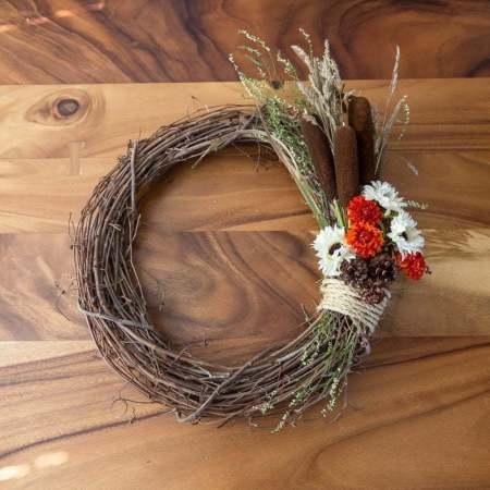Fall Wreath | Autumn | DIY | Flowers | Tutorials | Home decor | Couronne d'automne | Pine cone | Cocotte | Quenouilles