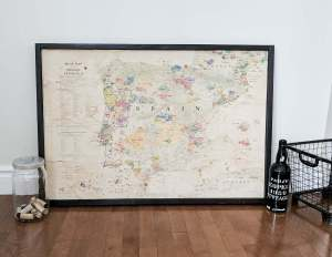 DIY Vintage map | How to distress a map | framed map | low cost | cheap | Delong map | carte géographique vintage | wine map | distress with coffee | wall art for cheap | économique