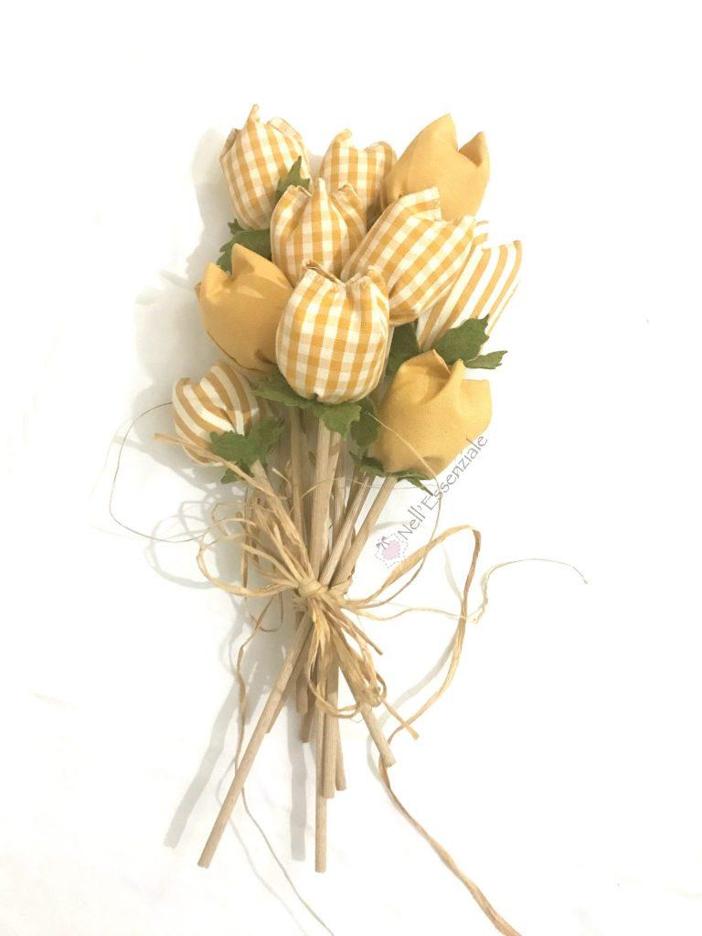 tulipani di stoffa gialli Completo cucina con mantovana e copriforno