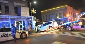 NEMiss.News Car crashes into downtown building