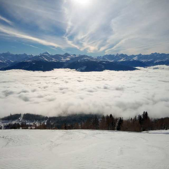 #montana #powandsun #lesvacancescacommence #questcequonestmieuxendessus #frisek @frisek @cransmontana.resort