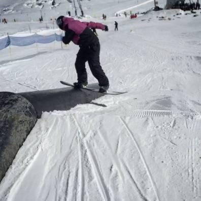 #throwback #summershreddays #zermatt #frisek @frisek @snowparkzermatt 📷@vvchiche