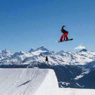 #tbt #mute #cmsnowpark #frisek #yessnowboards #pierrdelerue @cmsnowpark @frisek @yes_snowboards 📷@pierredelerue