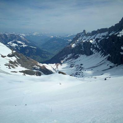 #combedaudon #glacier3000 #greatsaturday #frisek @glacier3000.ch @frisek
