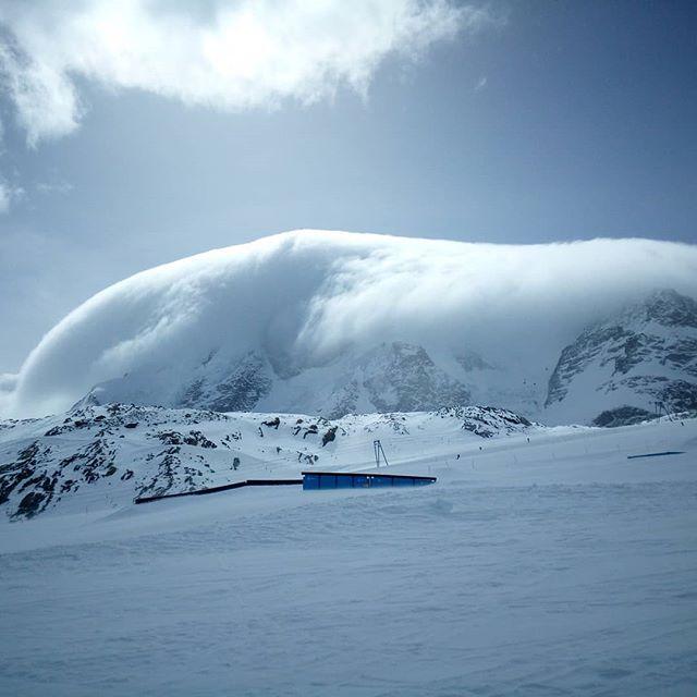 #lechouilleitalienne #zermatt #frisek @snowparkzermatt @frisek