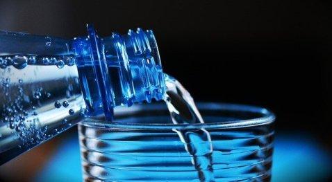 flaša-voda-čaša