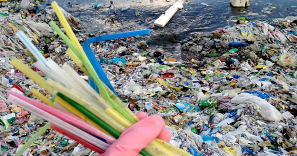 plastic-pollution-greenpeace-1024×538