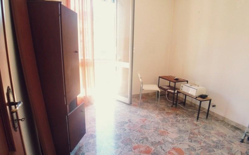 Certosa – Via Piombelli 5 vani – ingresso indipendente