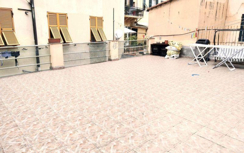 Genova Certosa – via Fillak 5 vani con terrazzo