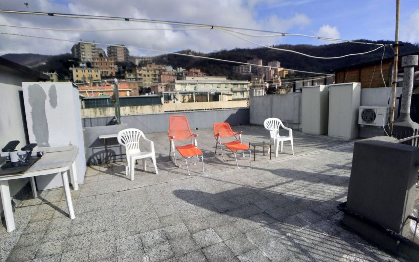 Genova Certosa – Via Aleardi 6 vani con terrazzo