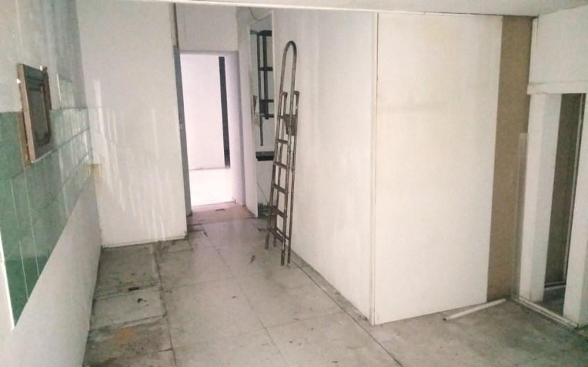 Locale uso commerciale/laboratorio – 110 mq – euro 380