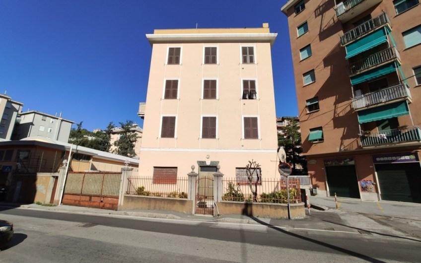 Via Vezzani, 7 vani
