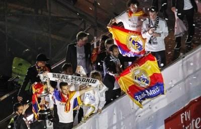 El Real Madid festeja en Cibeles la conquista de la Copa del Rey