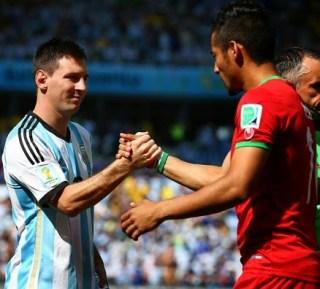 Argentina 1-Irán 0. Mundial Brasil-Grupo F leo messi saluda a un jugador iraní