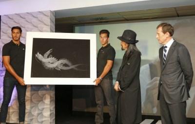 diseñador japonés Yohji Yamamoto Nueva camiseta negra del Real Madrid para la Champions League