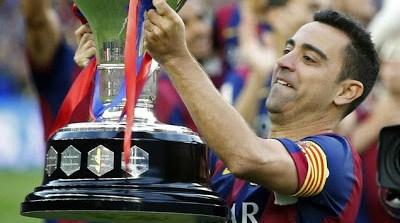 xavi con la copa de liga española
