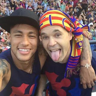 La rua de los Campeones champoions barcelona 2015 neymar e iniesta
