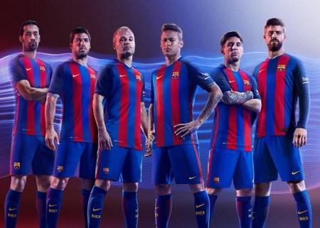 camiseta-Barcelona-2017-jugadores-messi-pique-suarez