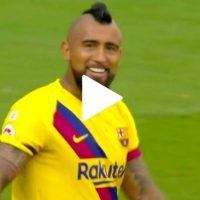 Golazo de Arturo Vidal tras asistencia de Messi