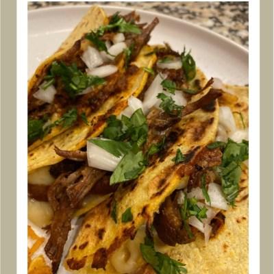 Mexican Birria Tacos//