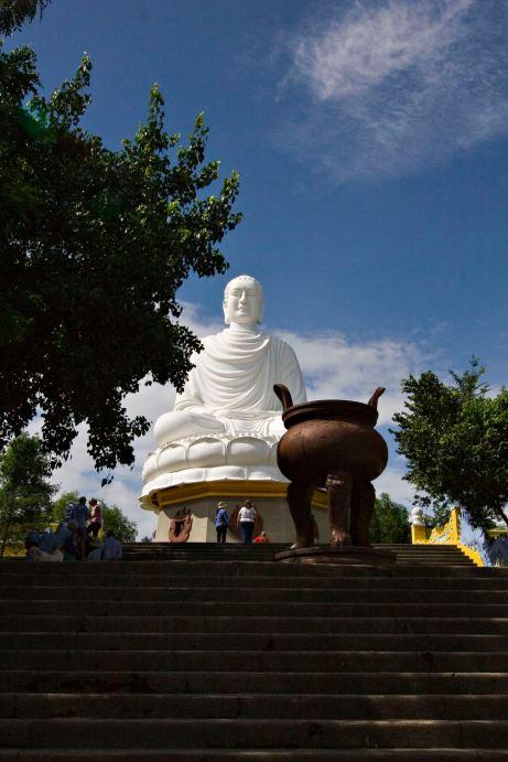 Long Son Buddha