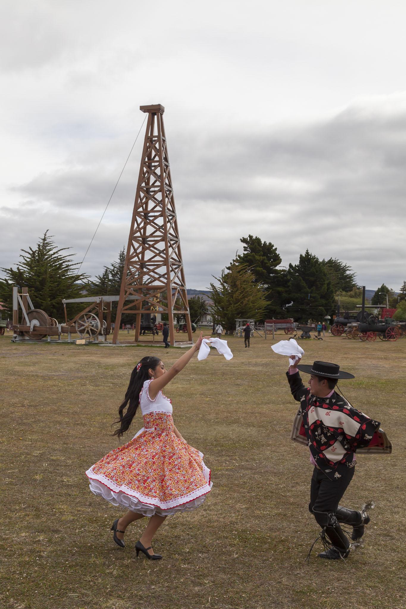 Chilean Dancers
