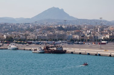 Approaching Heraklion