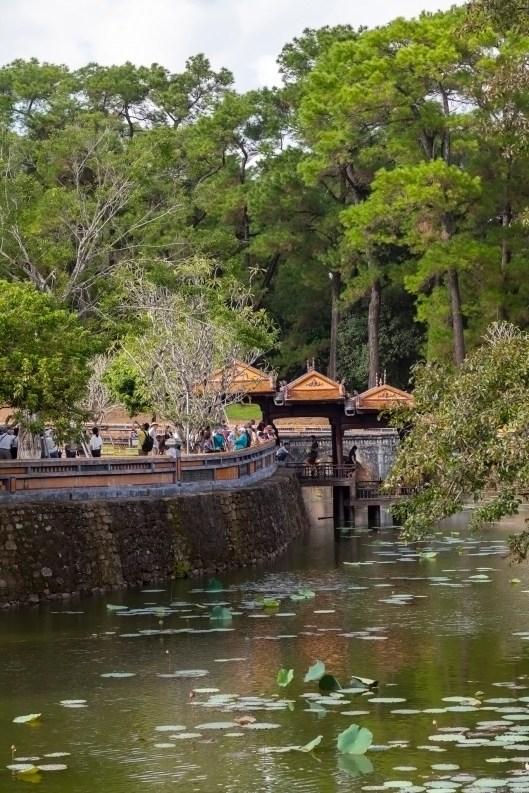 Luu Khiem Lake