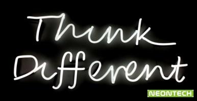 неонов надпис Think different