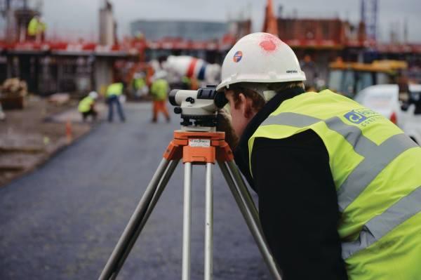 civil-engineers-3-600x399