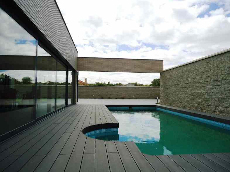 Tarima exterior tecnologica para piscinas