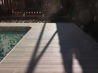 tarima madera piscina composite exterior