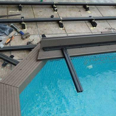 Instalacion tarima exterior madera f cil de mantener for Suelo exterior piscina