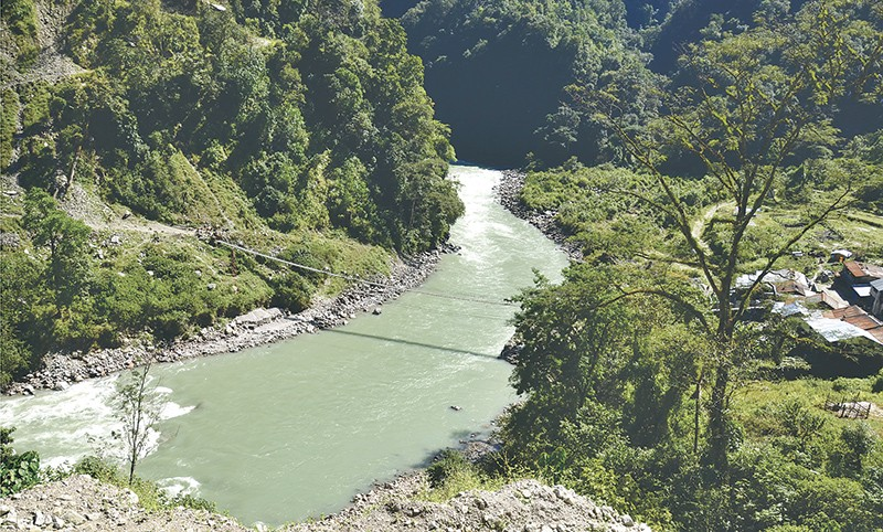 India's Sutlej offers to sell Arun III power