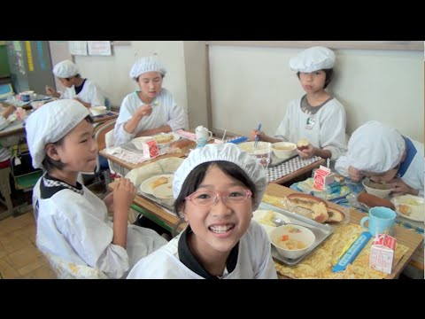 This Is What Japanese Kids Do During School Lunch