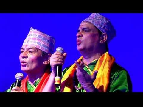 ईश्वरलाई मह जोडीको प्रश्नः एउटा राम्रो नेता दिन तिमीले किन टाउको कन्यायौ?