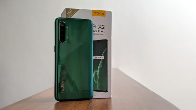 realme x2 design and display