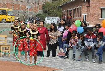 2. girls hula hoop dance