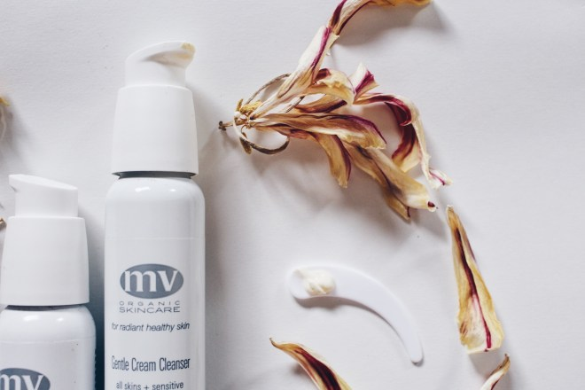 MV Skincare Gentle Cream Cleanser (close-up)