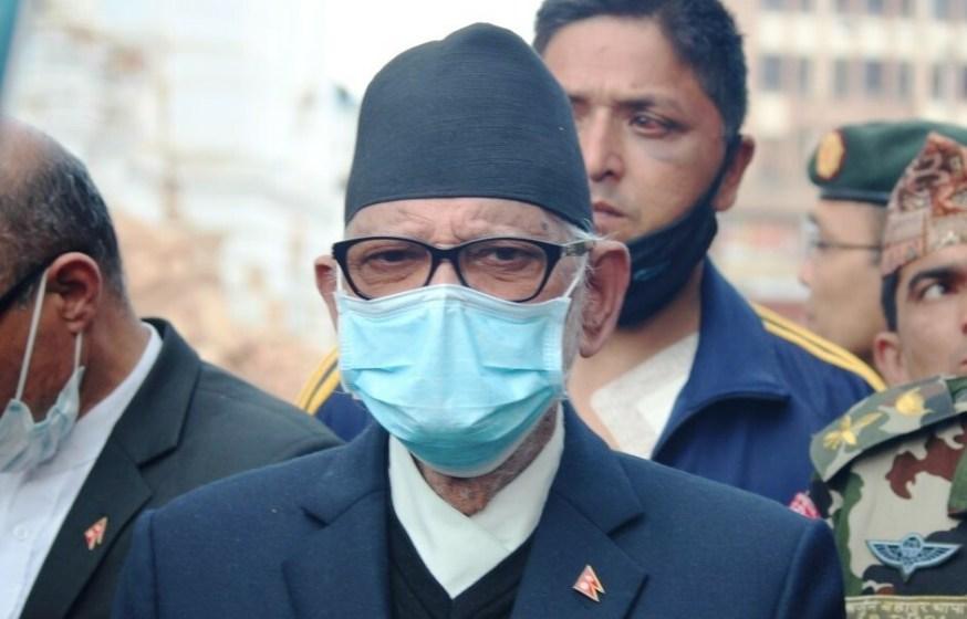PrimeMinister-Shushil-Koirala-participates-in-debris-removal-campaign--e1432881612725