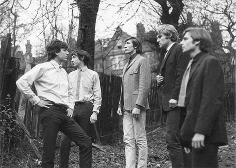 Pink Floyd in 1965: Syd Barrett, Nick Mason, Roger Waters, Bob Klose, Richard Wright