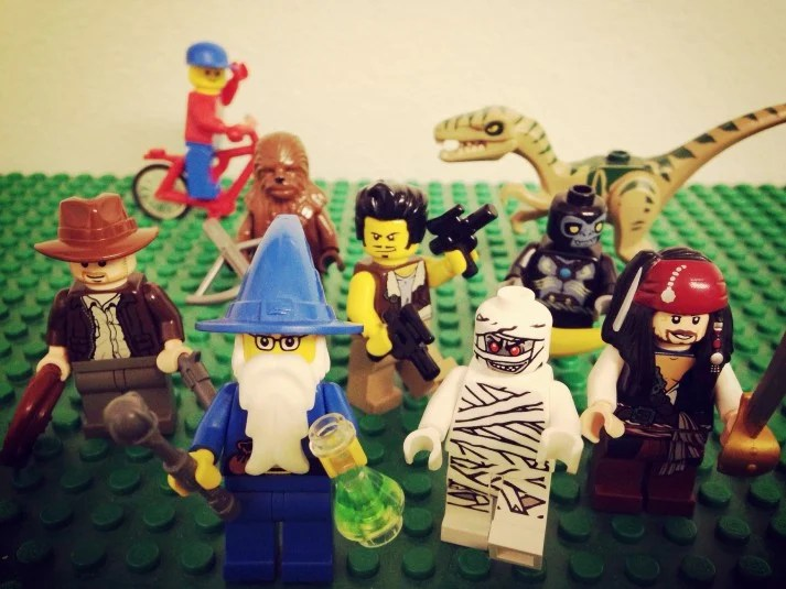 Assorted LEGO characters