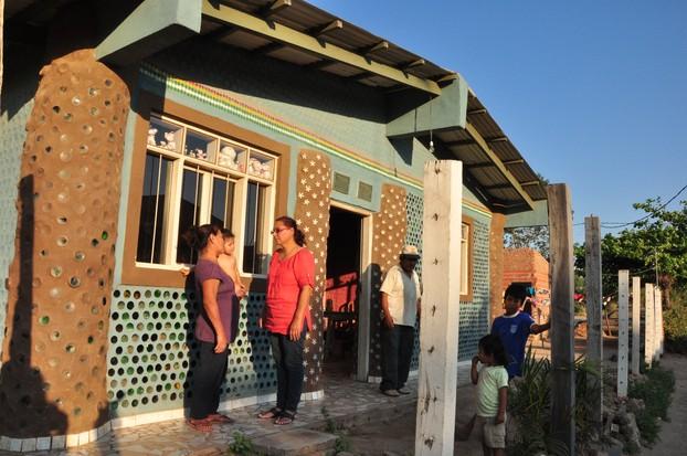 Garbage Homes - Bolivia - Viewfinder - Al Jazeera English