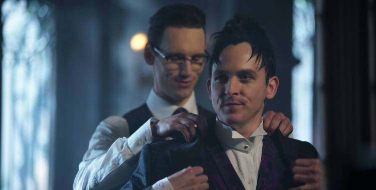 """Gotham: """"Anything for You,"""" """"Follow the White Rabbit"""" and """"Red Queen"""" Recaps"""