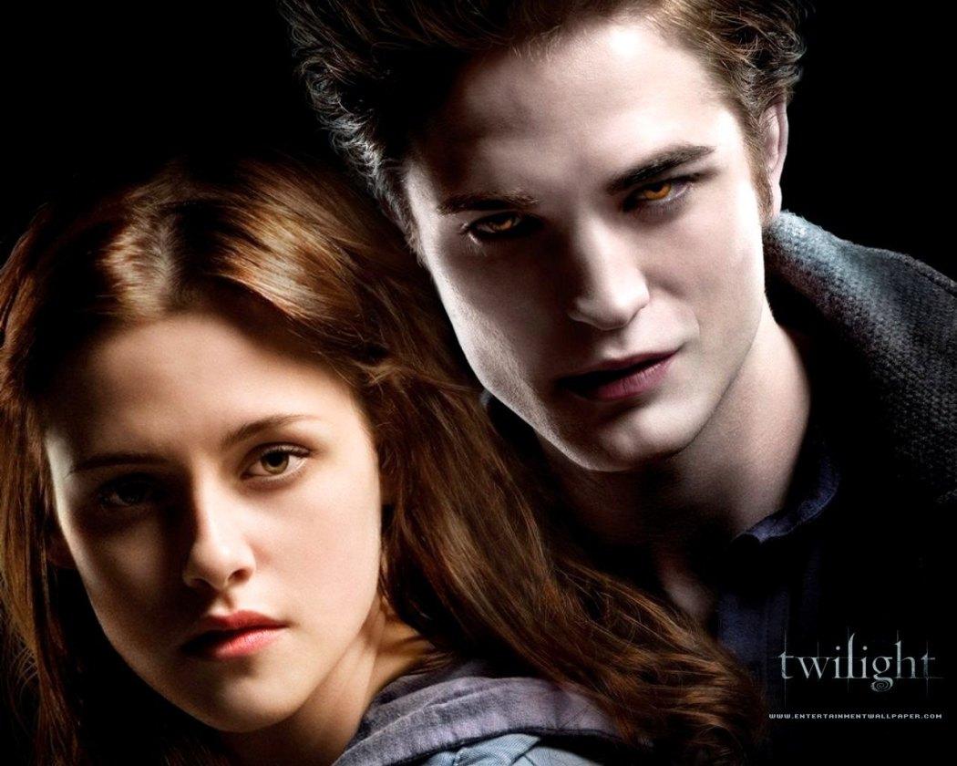 Il 21 novembre sarà l'anniversario di Twilight, primo film della serie di libri di Stephenie Meyer con Robert Pattinson e Kristen Stewart!