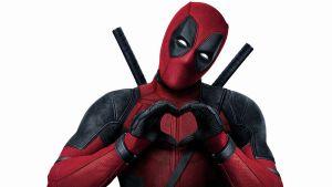Ryan Reynolds mette all'asta la spada di Deadpool