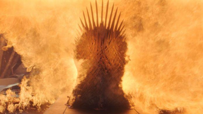 Game of Thrones Il Trono di Spade viene distrutto da Drogon