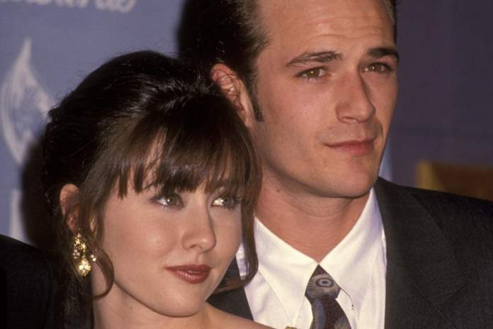shannen doherty e luke perry tributo riverdale stagione 4 the cw